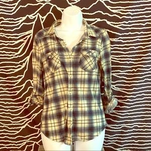 💙Super Soft Plaid Long Sleeved Rockabilly Top!💙
